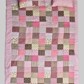 narzuta-patchwork-rozowy